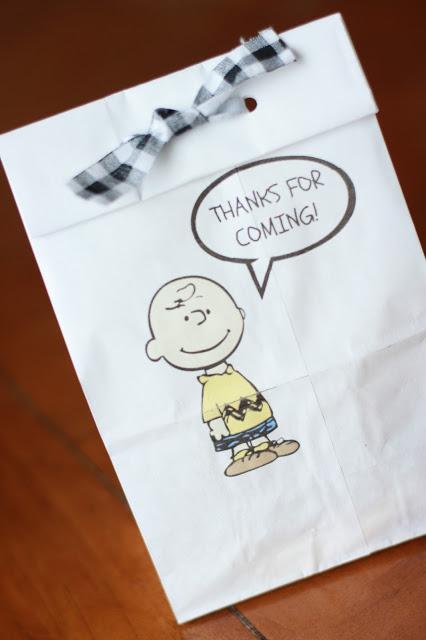 charlie brown gift bag