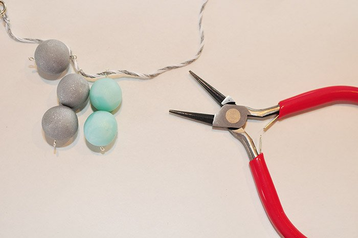4 necklace beads