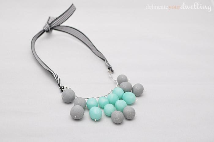 5 ribbon necklace