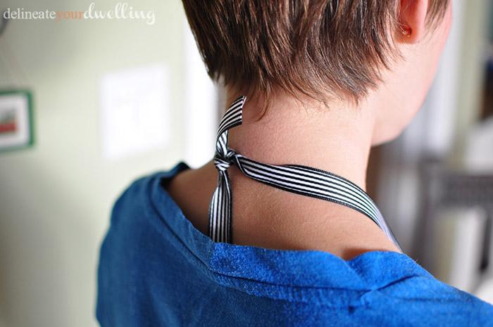 9 ribbon necklace back