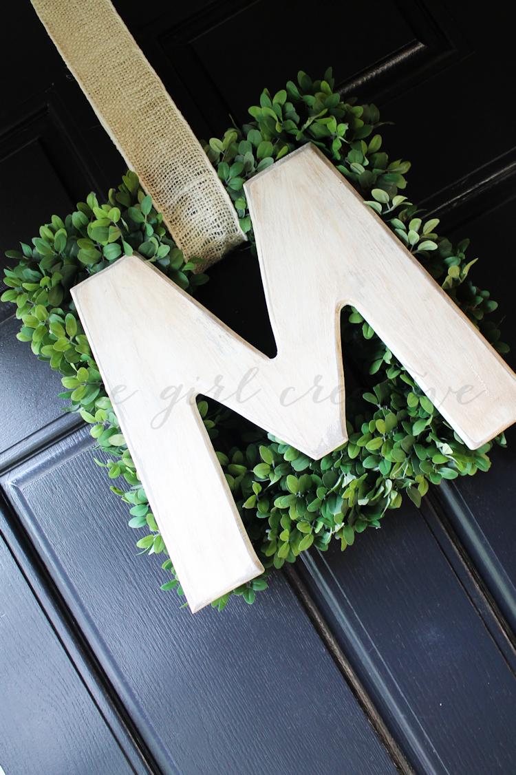 Easy Monogram Wreath-NO TEXT