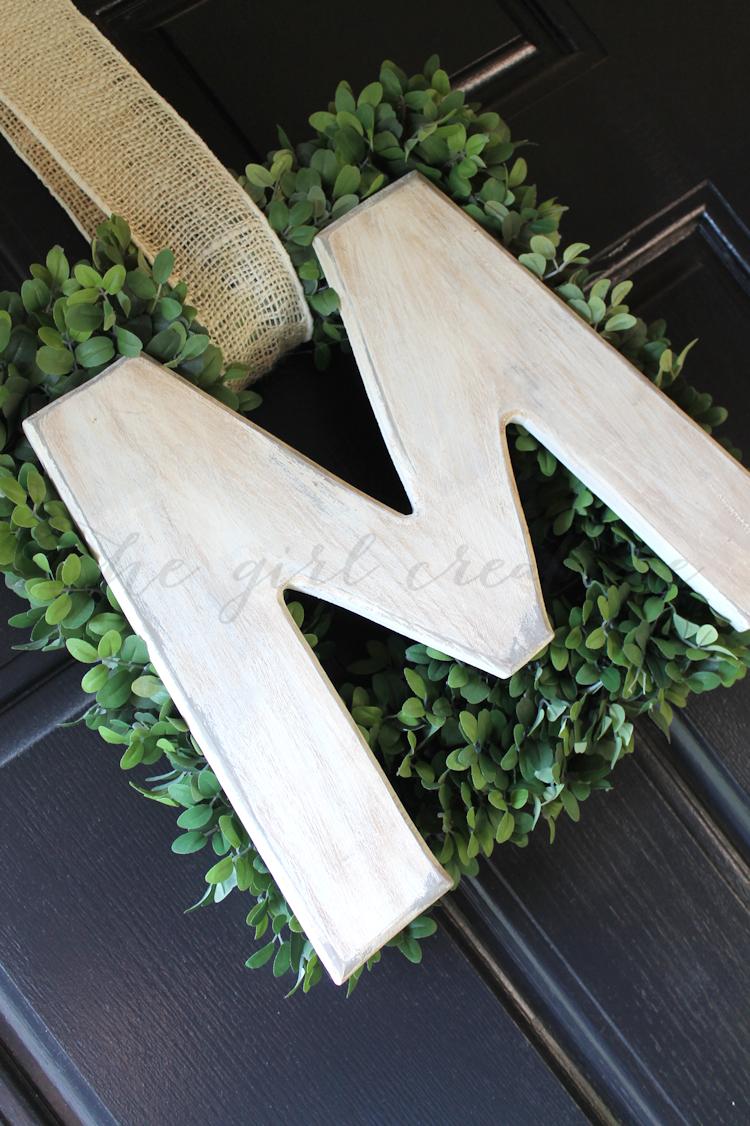 Easy Monogram Wreath-angle
