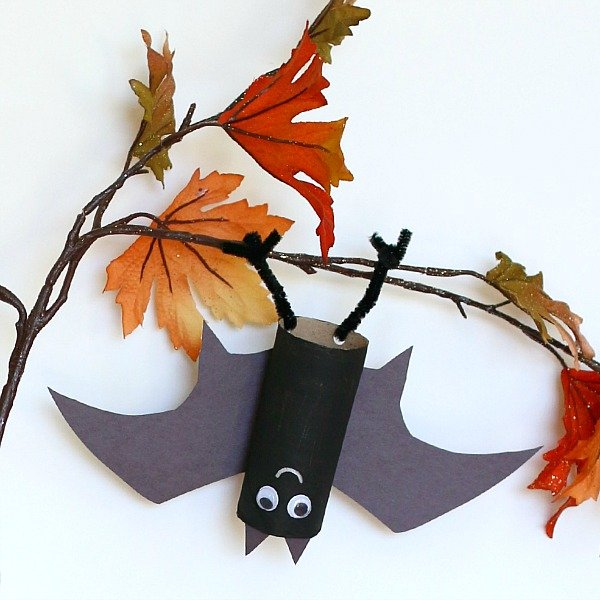 Halloween Crafts-hanging bats