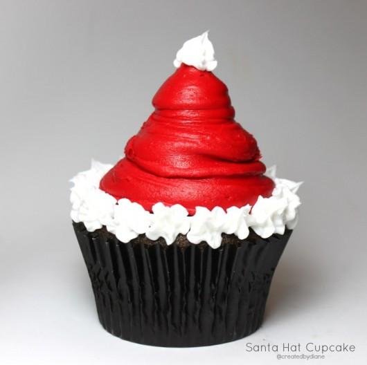 christmascookies-Santa-Hat-Cupcake-@createdbydiane.jpg-530x528