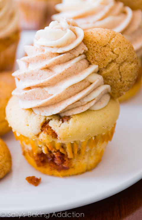 christmascookies-snickerdoodle cupcakes