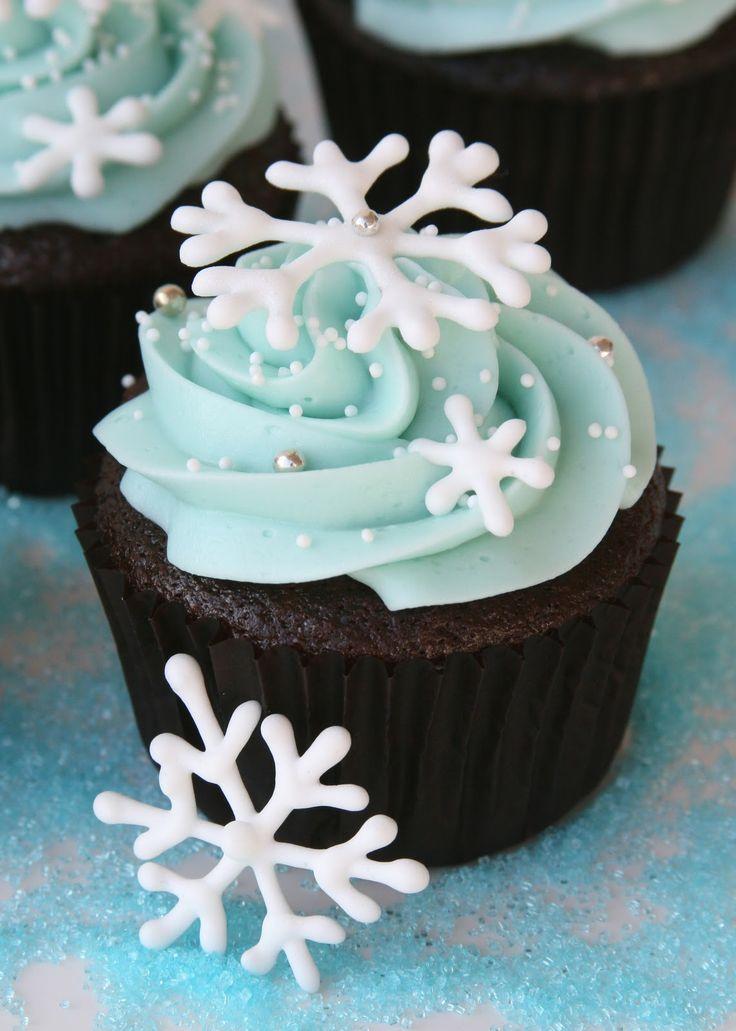 christmascookies-snowflake cupcakes