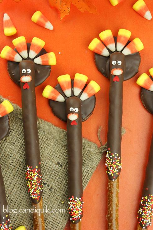Thanksgiving Desserts-turkey pretzels
