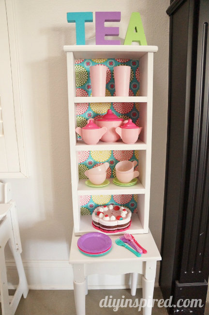 feature-Play-Kitchen-Hutch-From-Thrift-Store-Finds