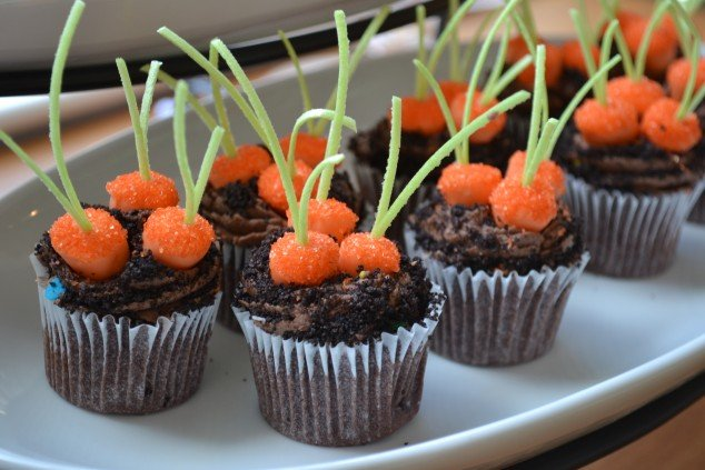 Carrot Patch Cupcakes - Frog Prince Paperie