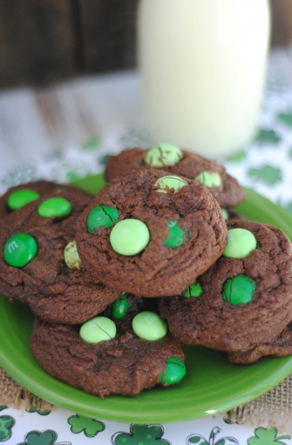 Mint-MMs-Cookies-homemade-and-delicious-Perfect-for-St.-Patricks-Day1-575x876