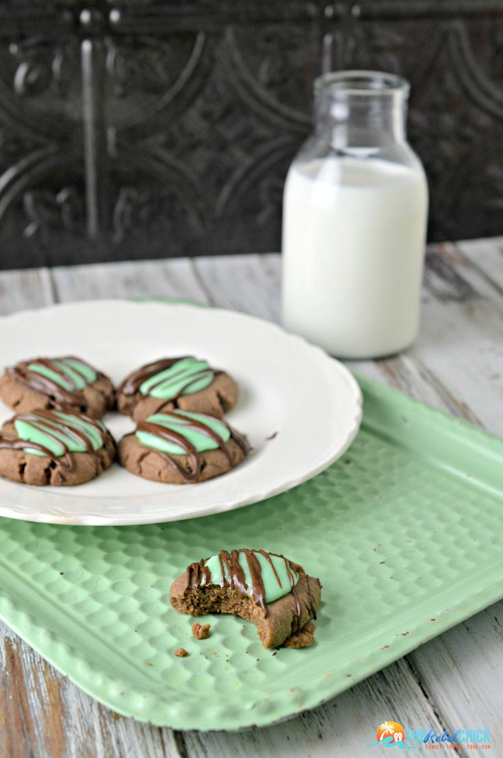 mint-chocolate-cookies-the rebel chick
