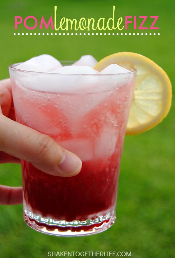 drinks-pom-lemonade-fizz-glass
