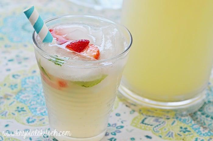 drinks-strawberry mint limeade-krystle's kitsch