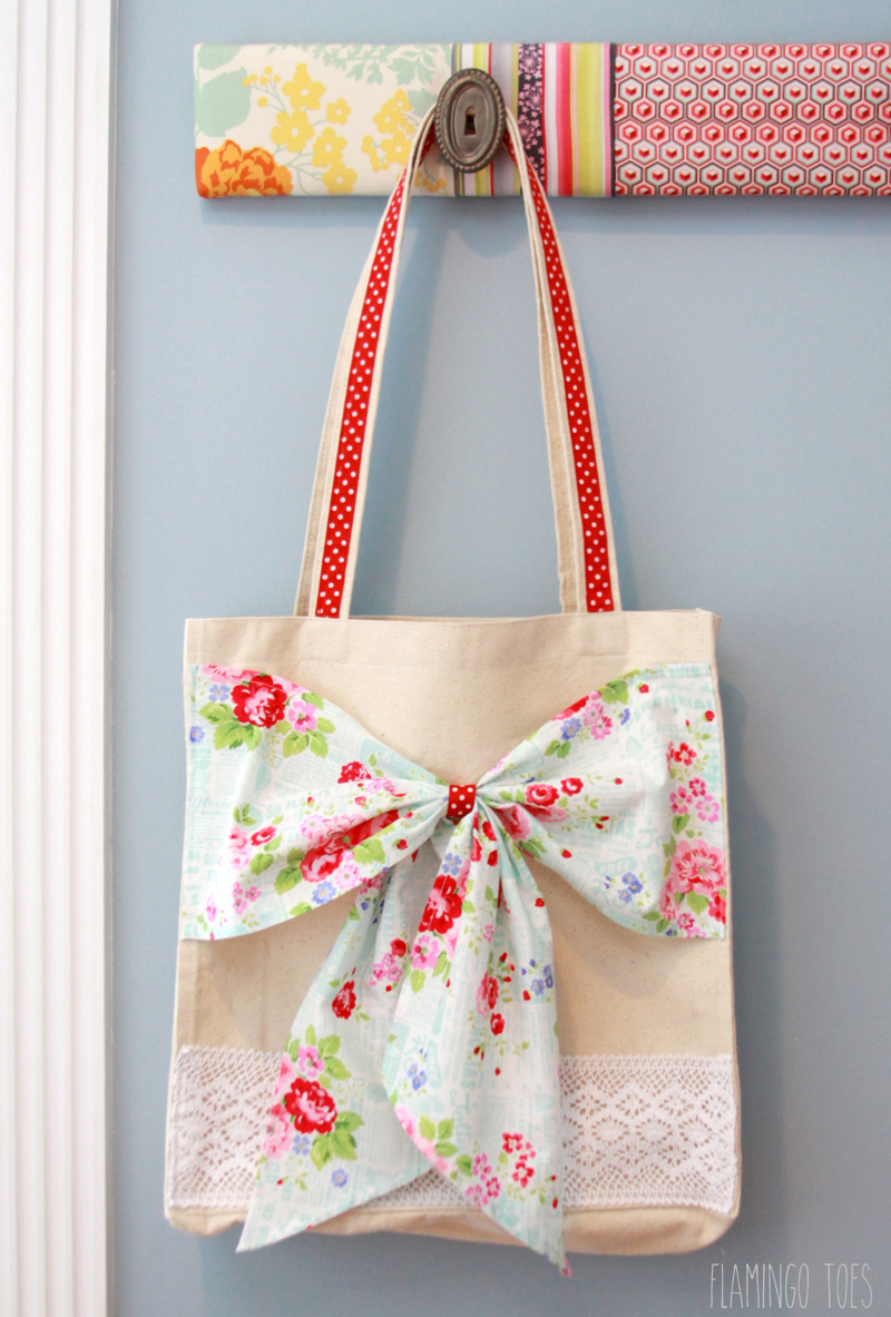 Fabric-and-Lace-Bow-Tote