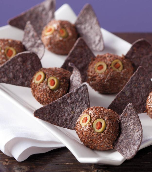 halloween - mini bats cheesballs
