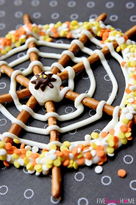 halloween - pretzel candy spider web