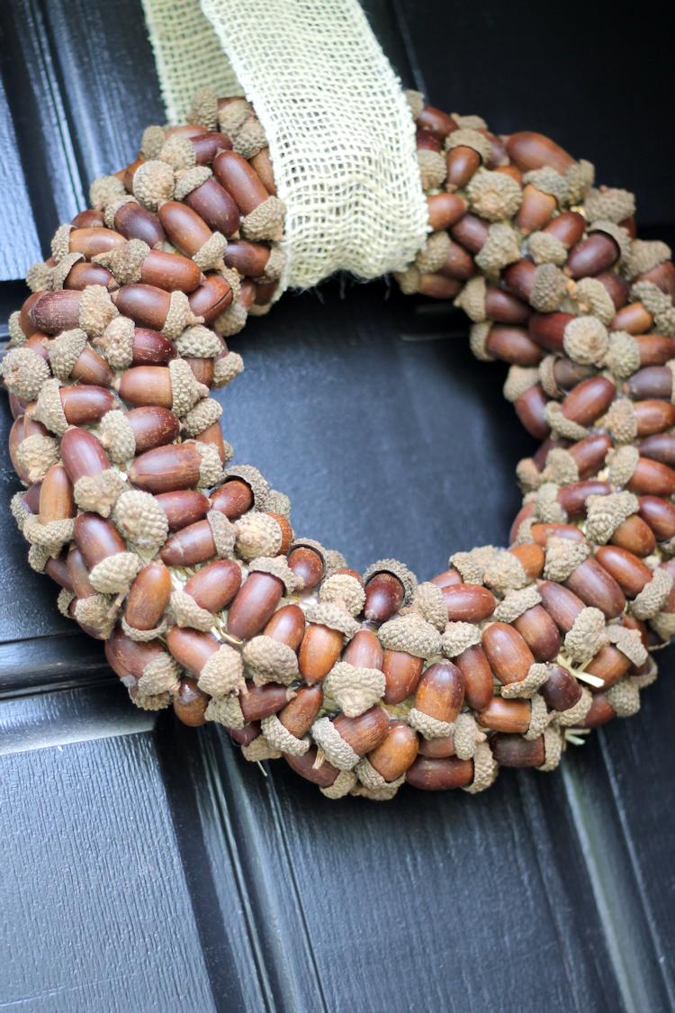 Acorn Wreath-content1