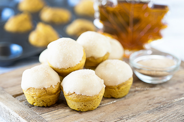 Delicious Maple Glazed Pumpkin Bites -- and little muffins mean we can have more with less guilt, right? livelaughrowe.com