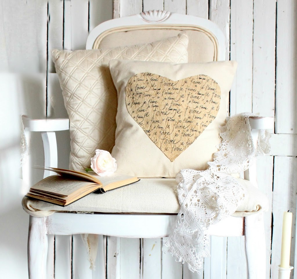 Je'Taime Pillow - Craftberry Bush