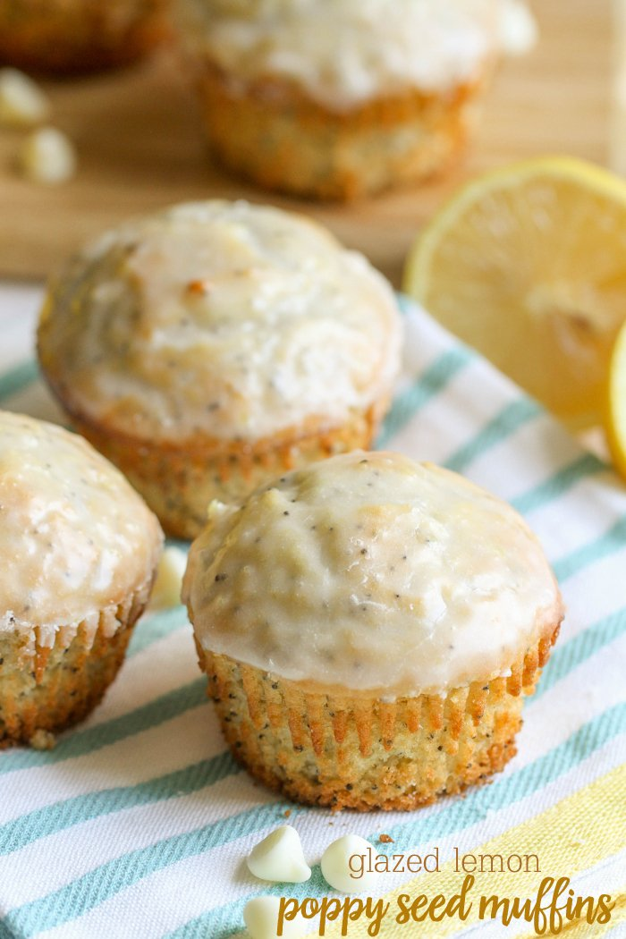 Glazed Lemon Poppy Seed Muffins // Lil' Luna