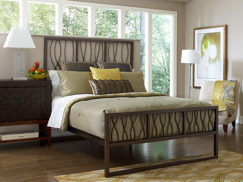 CORT-Samson Queen Bedroom