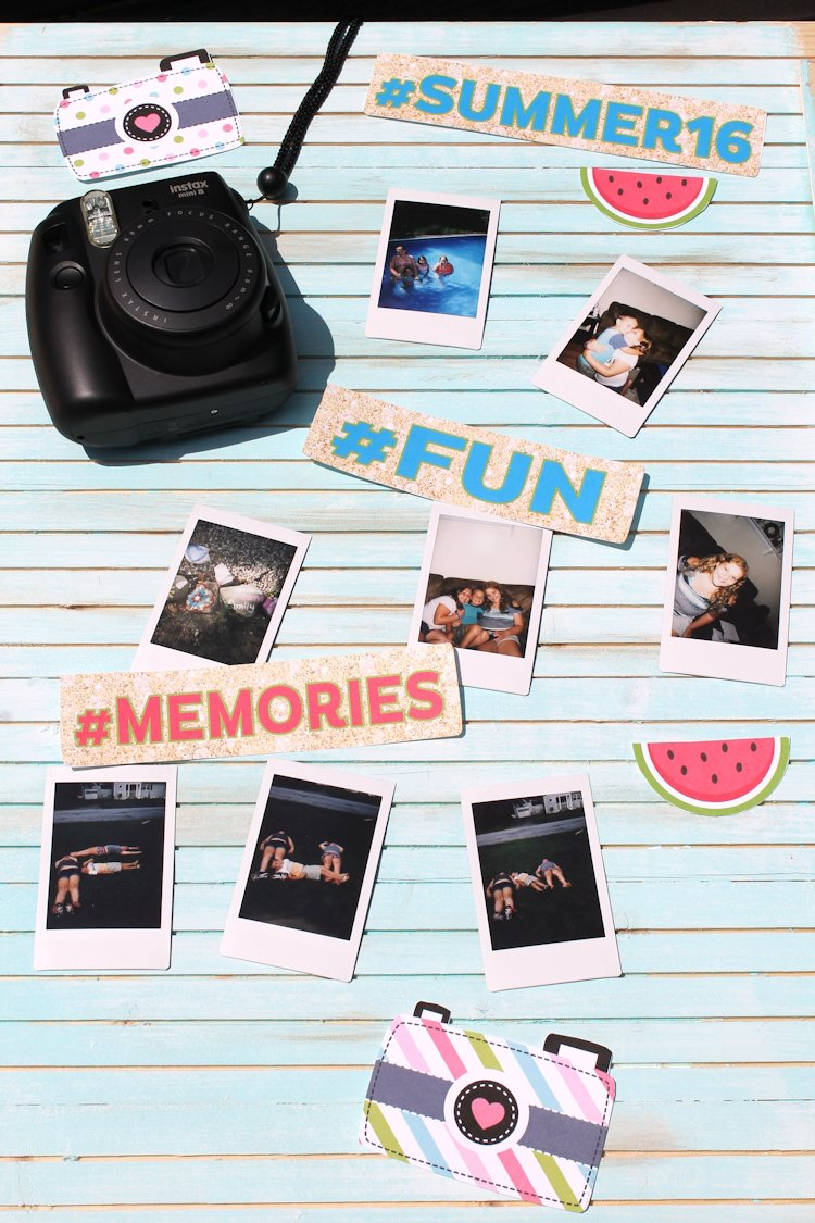 Summer photo display board using free summer clipart and photos from my instax mini 8 camera. #ad #wonderphotoshopnyc
