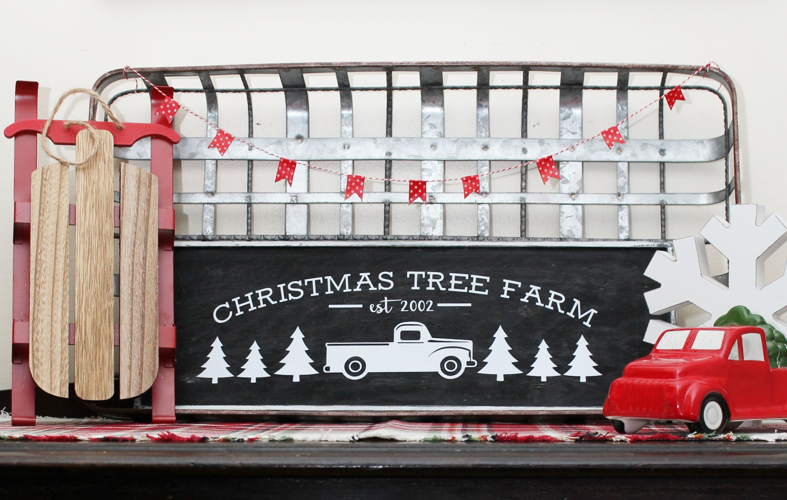 christmas-tree-farm-sign-feature