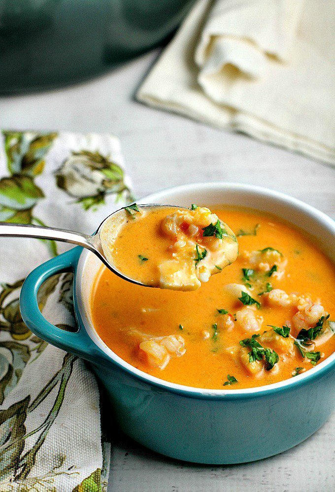 creamy-tomato-seafood-bisque-11