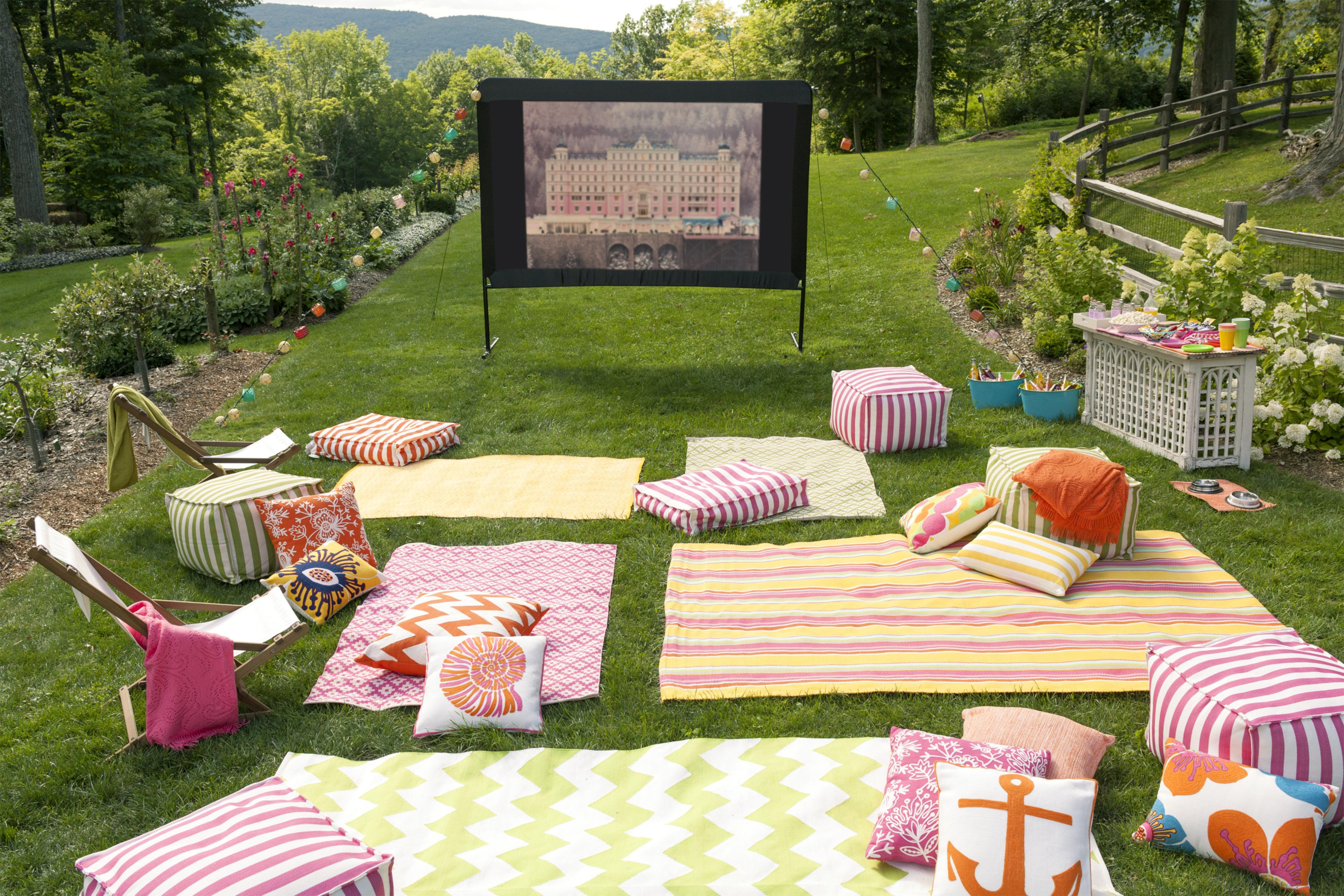 genius outdoor movie ideas the girl creative