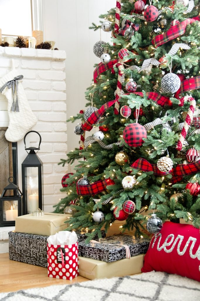 buffalo check christmas tree from yellow bliss road - Buffalo Plaid Christmas Decor