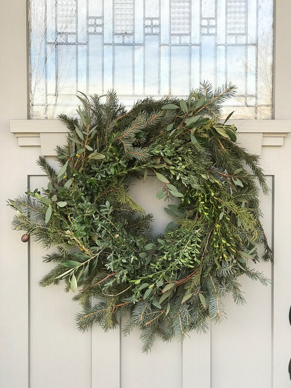 Farmhouse Christmas Decorating Ideas And Tutorials The