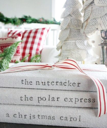 Farmhouse Christmas Decorating Ideas and Tutorials