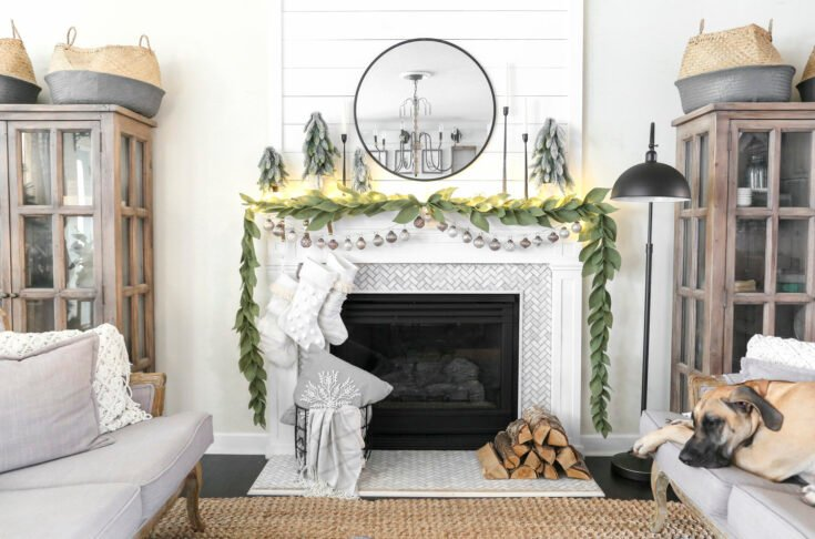 Simple Neutral Christmas Mantel