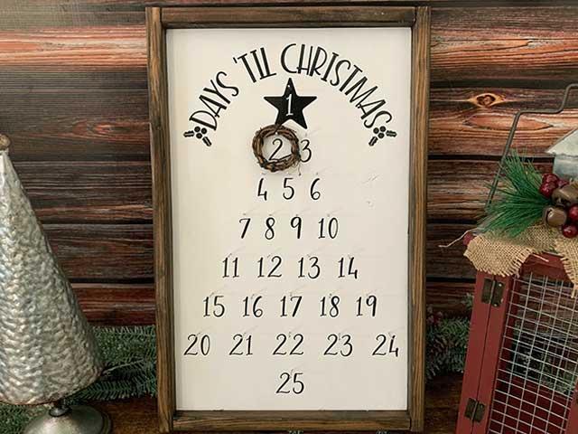 DIY Christmas Tree Countdown Sign
