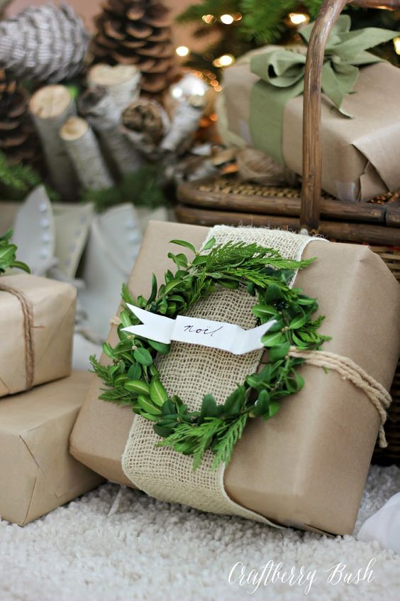 Craft Paper & Boxwood Wreath Neutral Gift Wrap